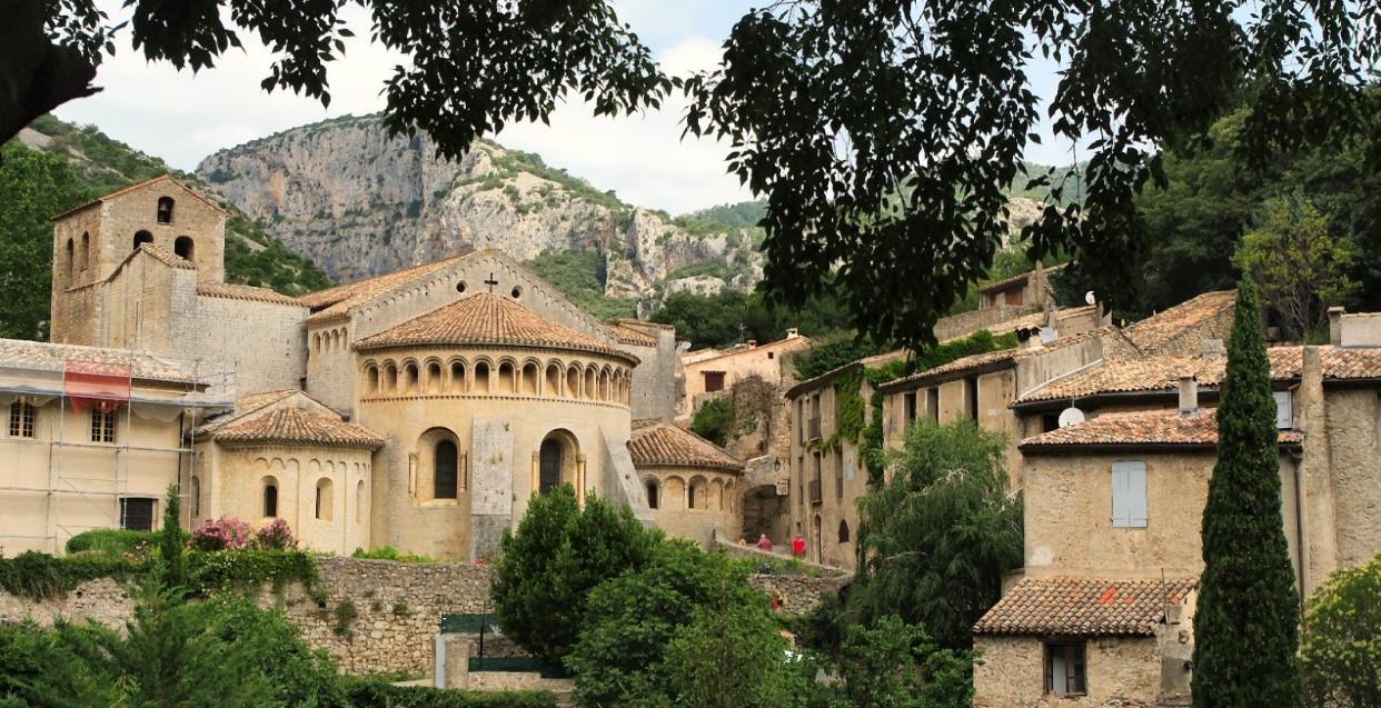 le beaux villages france: